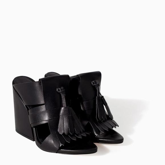 813aa7dc568 Zara Black Tassel Fringe Sandal Heel. M 5b593a3c951996610c4ec3b6